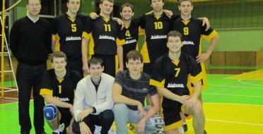 """LŽŪU tinklininkų komanda 2011-2012 m.m. žaidžia KTML """"A"""" lygoje"""
